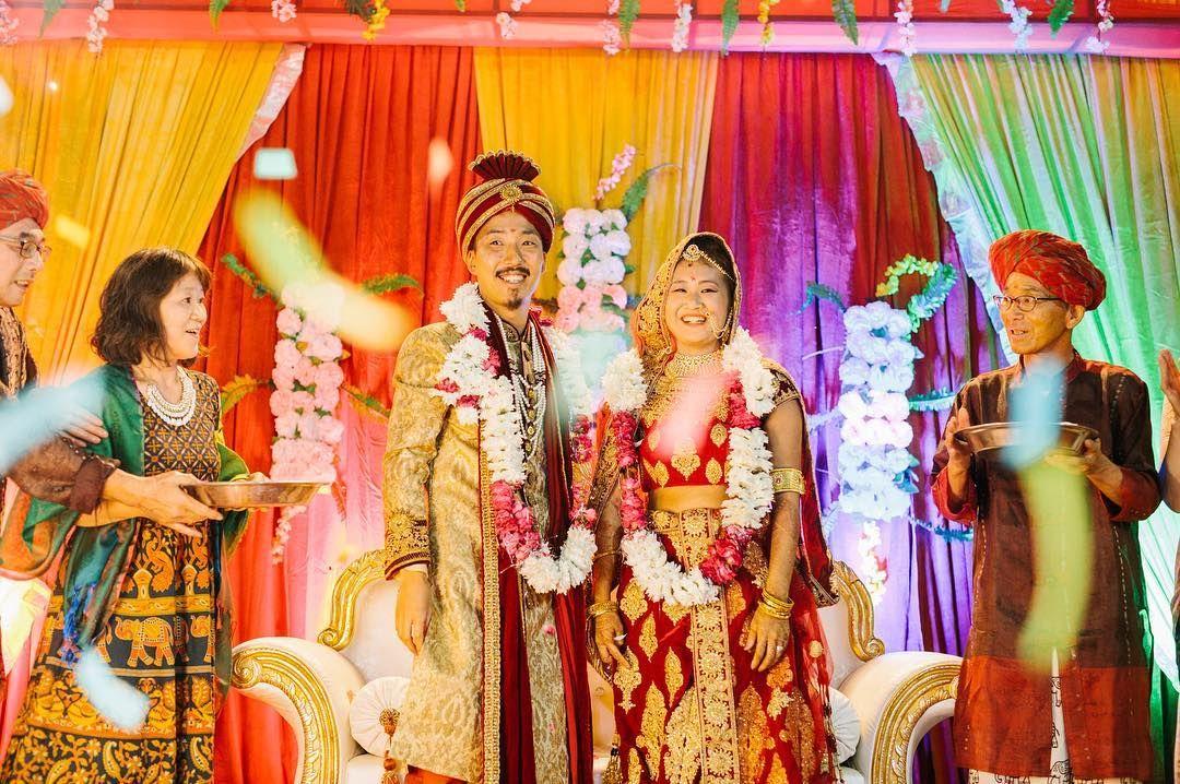 人生で初めて海外で結婚式の撮影をしました それもインド で 笑 新郎新婦とは元々友人で 何度もお世話になってきたので その恩返しに専属カメラマンとして行ってきました 2人を祝いに日本から100人のゲストがやってきて 前夜祭 挙式 披露宴は大
