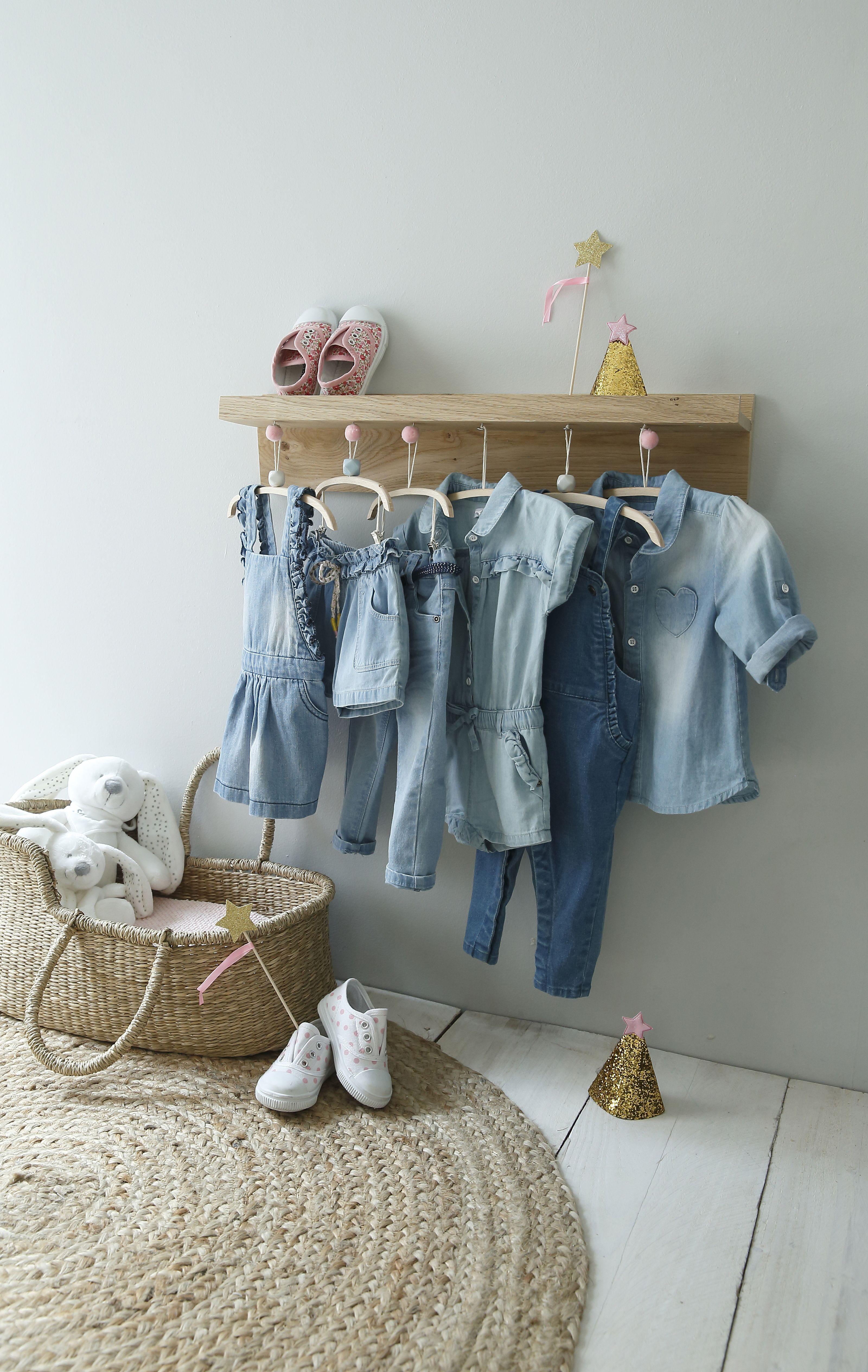 4b85e56b936b3 Chemise en #jean délavé #bébé #fille #denim Avec sa jolie poche en ...