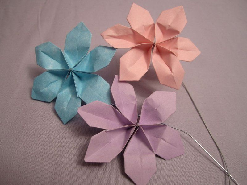 Super Easy Paper Flowers for $2! #constructionpaperflowers Picture of Super Easy Paper Flowers for $2! #constructionpaperflowers