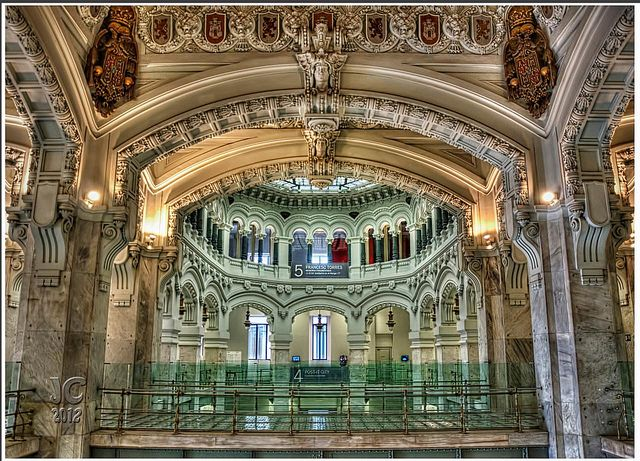 Palacio de comunicaciones madrid espa a spain church interior pinterest barcelona - Caja granada en madrid ...