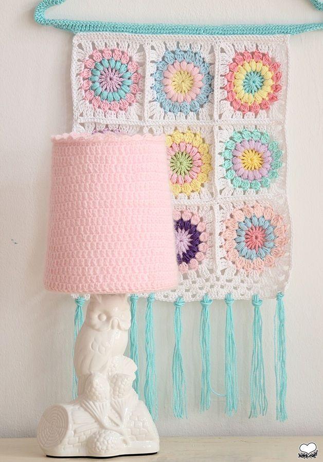HERRLICH, gehäkelter Lampenüberzug | Crochet knit inspiration ...