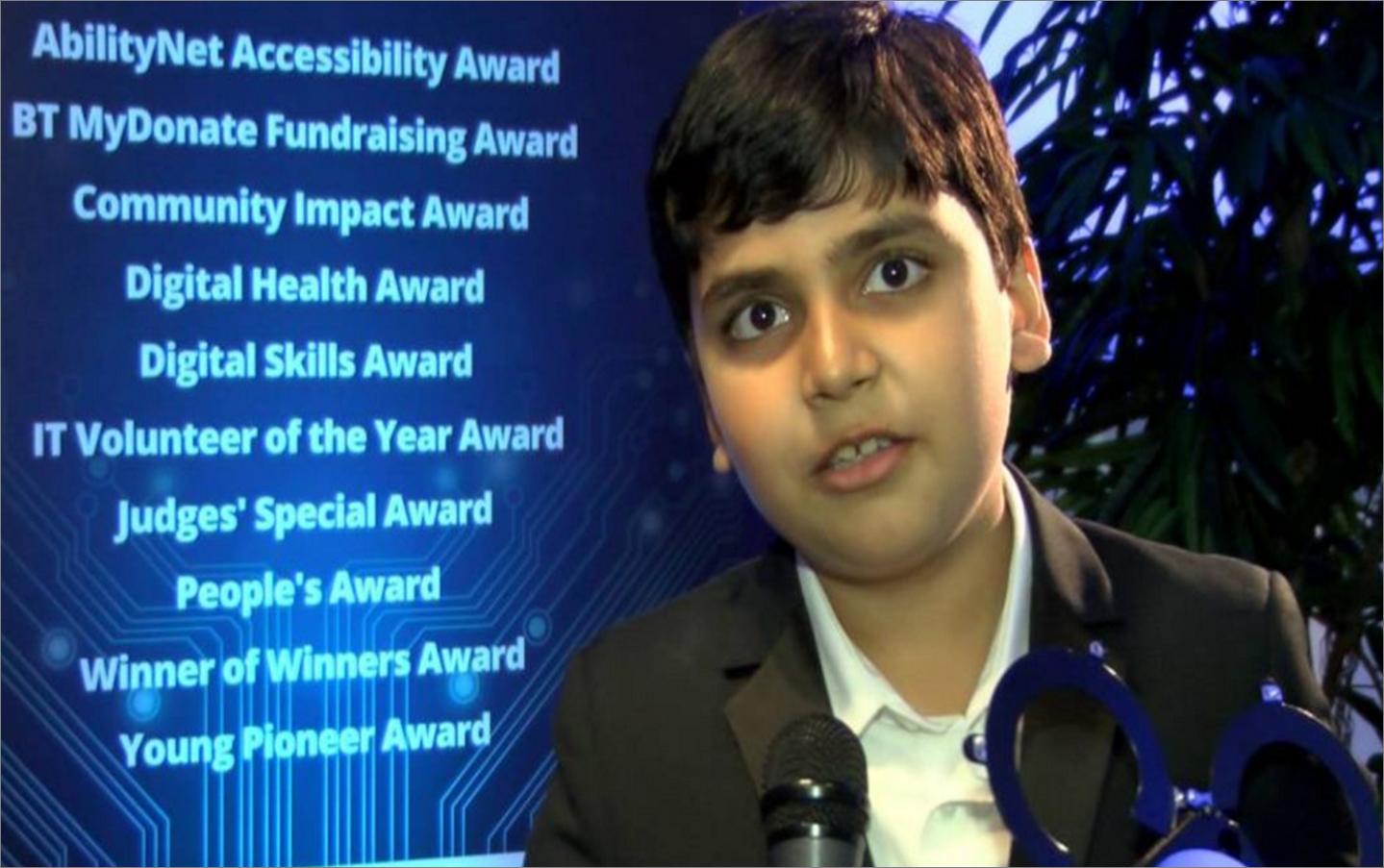 Niño Con Más Coeficiente Intelectual Que Einstein Quiere Curar El Asma Einstein Coeficiente Intelectual Curar
