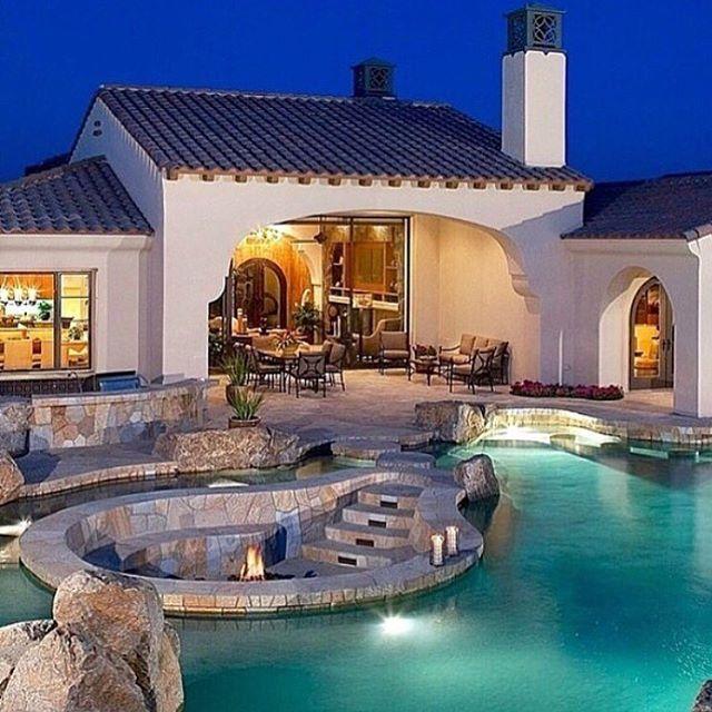Simple But Elegant Backyard 🏊