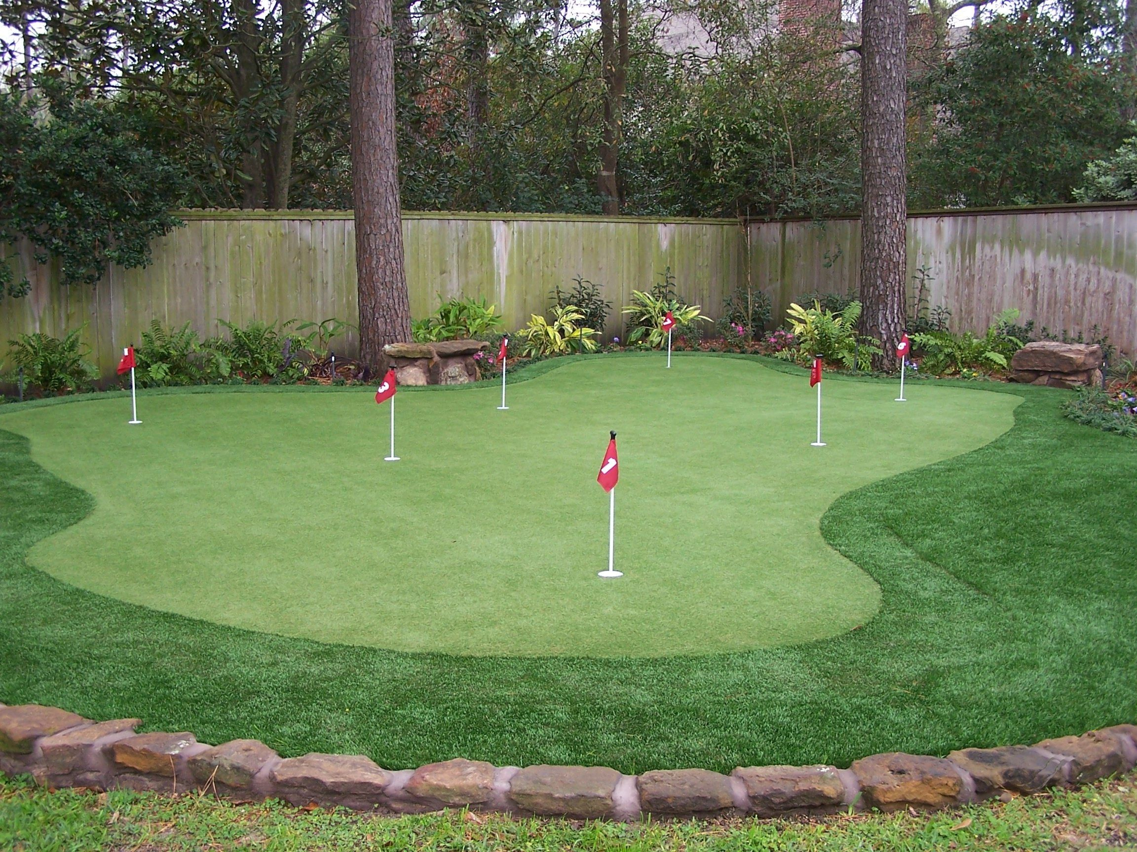 Backyard Golf Green Pictures With Captivating Backyard ...