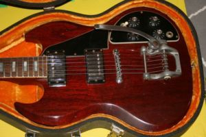 1971 Gibson Usa Sg Deluxe W Factory Bigsby City Of Toronto Musical Instruments For Sale Kijiji City Of Toronto Cana Musical Instruments Instruments Guitar