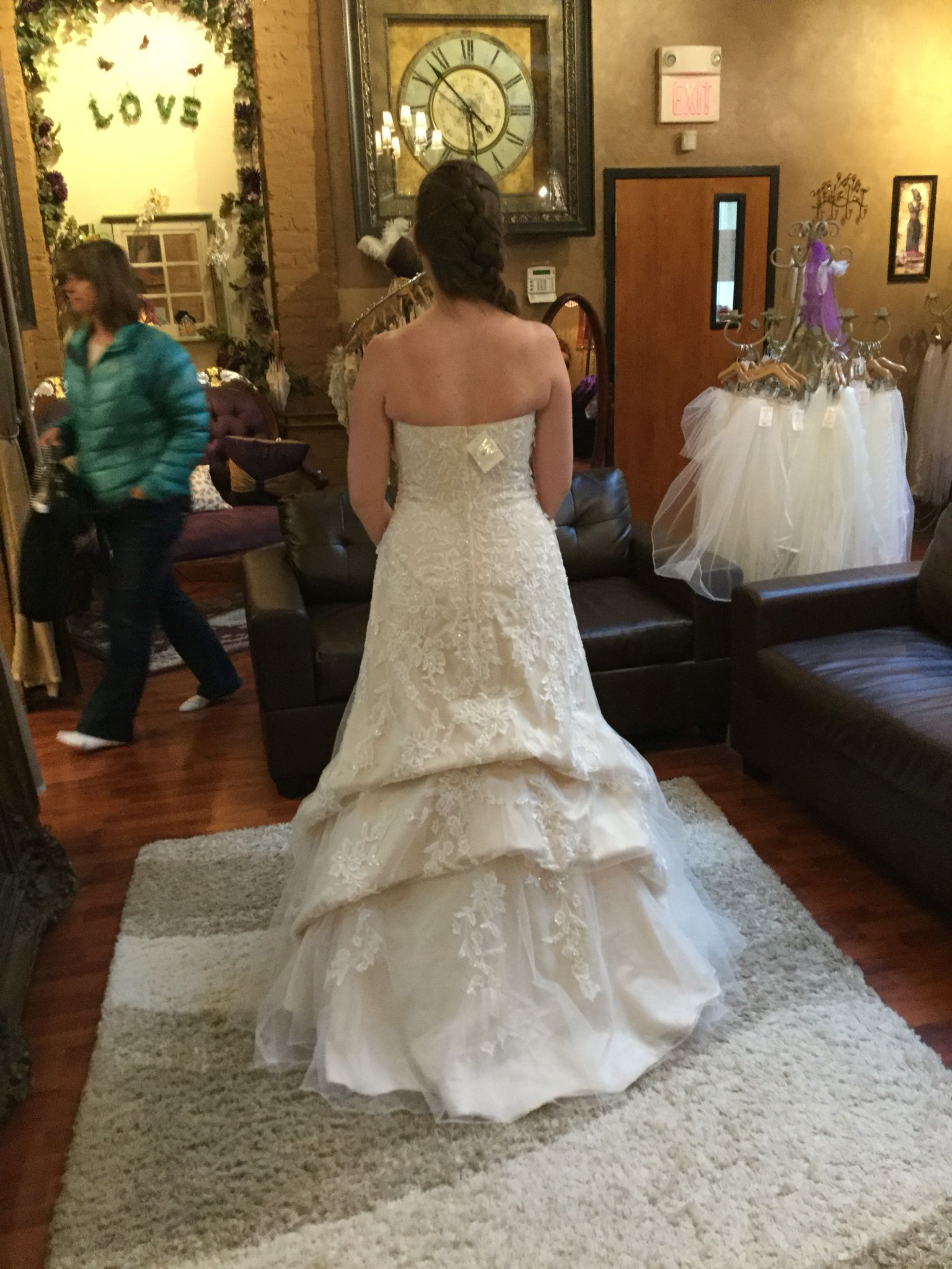 Waterfall bustle style Wedding dress bustle, Wedding