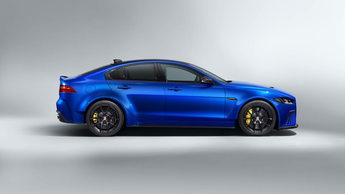 Jaguar Xe Sv Project 8 Touring Photo Gallery In 2020 Jaguar Xe Jaguar Project 8