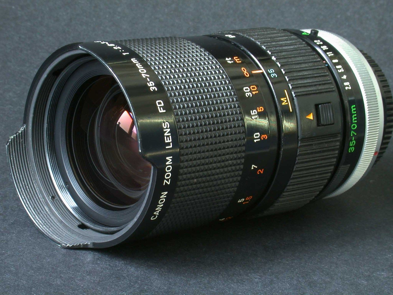Canon Fd 35 70mm F 2 8 3 5n Macro Zoom Yes Photography Gear Lenses Photography Used Cameras