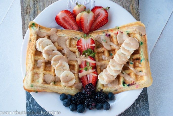 Funfetti Protein Waffles {Low Carb   Low Fat}