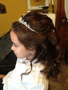 Pin By Nancy H On First Communion First Communion Hairstyles Communion Hairstyles Hair Styles