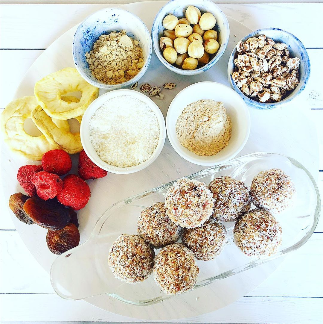 Time to restock the fridge with health balls. Great as a snack or breakfast-on-the-run. These are fruity, tasty and full of goodness #healthyfood #proteinballs #veganprotein #veganinspiration #vegansnacks #healthysnacks  Strawberry, Apple and Apricot Health Balls  10 freeze-dried strawberries (DJ & A) 10 dried apple rings roughly chopped 10 dried apricots roughly chopped (My Organics) 1 cup almond meal 1/2 cup hazelnuts (@ecoorganics_au) 2 tspns Baobab powder (@powersuperfoods) 1 cup spelt puffs #freezedriedstrawberries