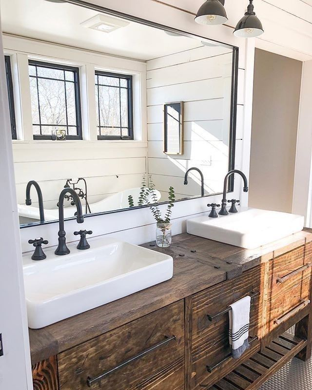 """Photo of Interior Design & Home Decor on Instagram: """"Here's a little bathroom inspo for your Tuesday evening 😊🌙🌌⠀⠀⠀ -⠀⠀⠀ 📸 @northmade_farmhouse 📸⠀⠀⠀ -⠀⠀⠀ I'm loving the rustic vanity and the…"""""""