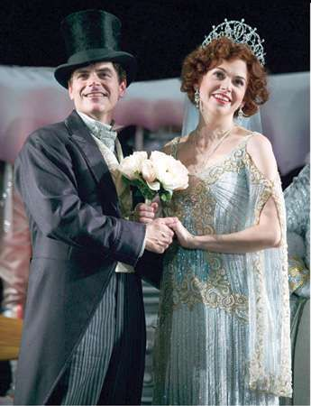 I Do I Do In The Sky Troy Britton Johnson And Sutton Foster Broadway Costumes Chaperone