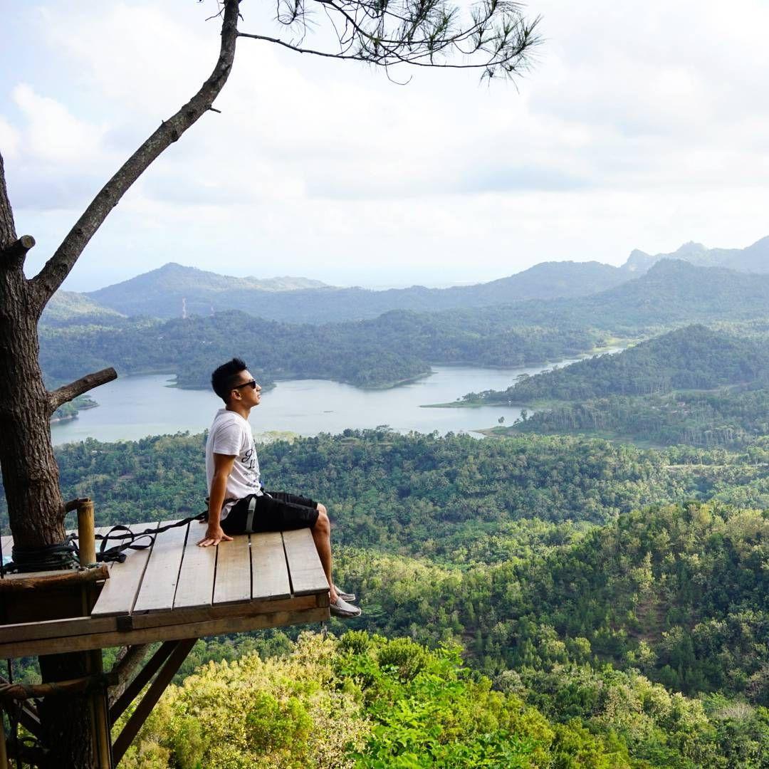 """Andre Sutanto on Instagram: """"Jagalah Kelestarian dan Kebersihan keindahan alam indonesia yang beruntung bisa kita semua miliki untuk anak cucu kita..kalau bukan kita siapa lagi! ___________________________ Follow @seasoldier_ & @langkahanakbangsa #kalibiru #jogjakarta #weexplorejogjakarta #beautyofindonesia #explorejogja #wonderfuljogja #langkahanakbangsa #latepost"""""""