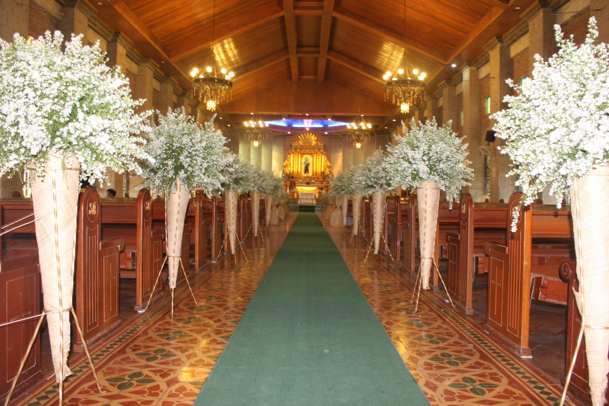Aisle Arrangement Using Asters At San Antonio De Padua Church In