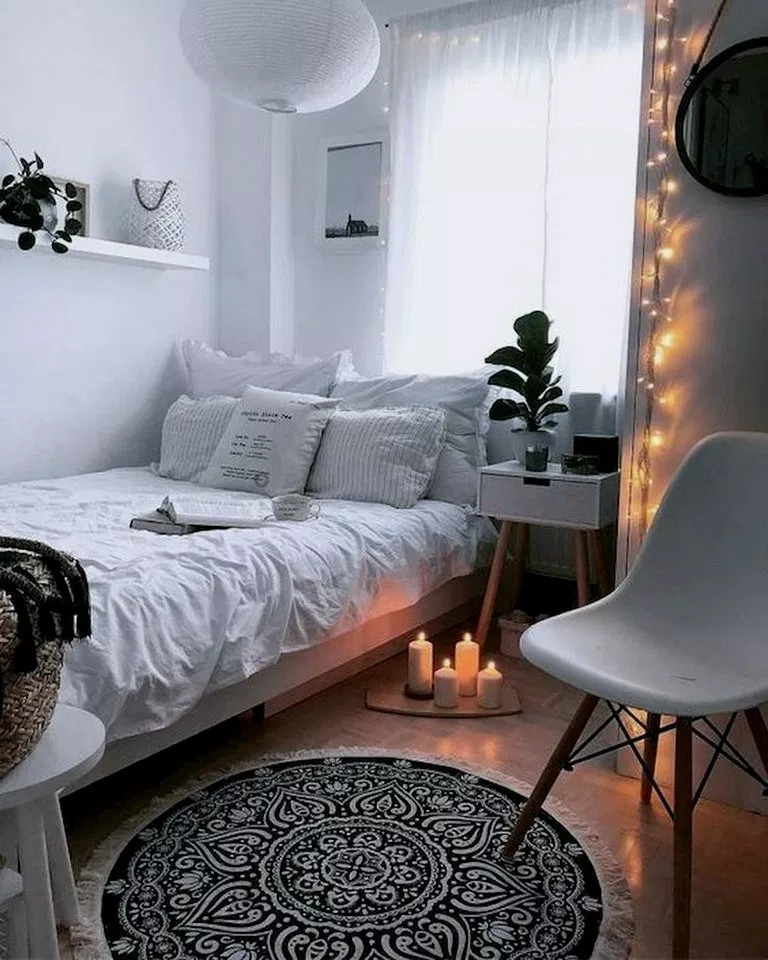 33 Diy Small Bedroom Decorating Ideas On Budget Bedroomdecor Bedroomdesign Bedroomideas B Small Apartment Bedrooms Small Bedroom Decor Small Room Bedroom