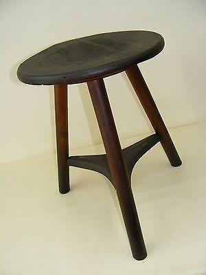 Werkstatthocker  Alter Werkstatthocker, Designer Hocker, Holz Metall Vintage ...