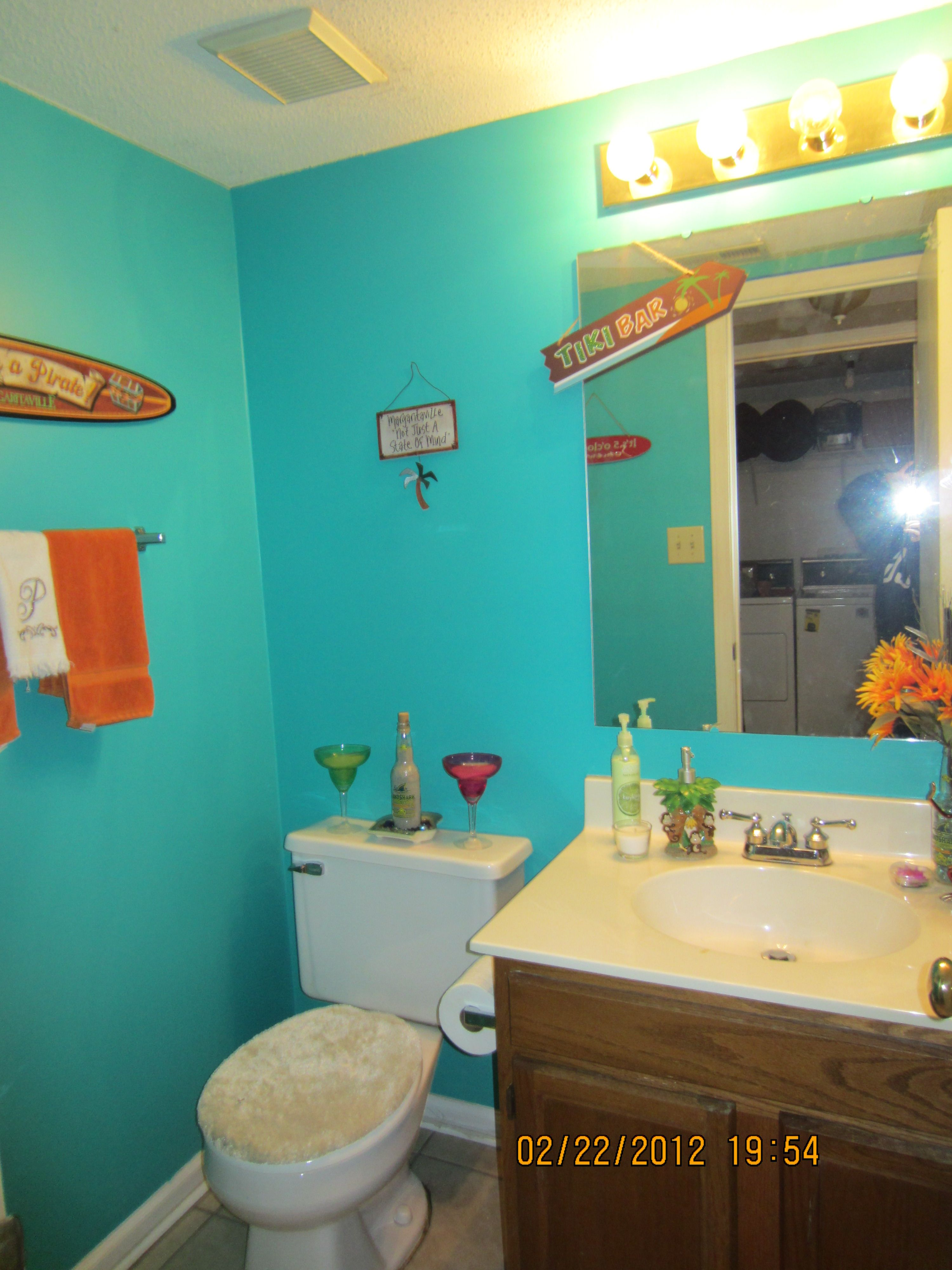 Margaritaville Themed Bathroom Why not decorate the bathroom for