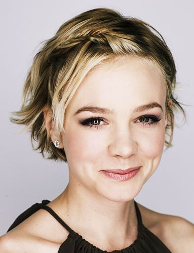 Carrie Mulligan's grown out pixie. Adorable!