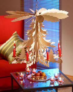 weihnacht h ngepyramide weihnachtspyramiden weihnachten. Black Bedroom Furniture Sets. Home Design Ideas