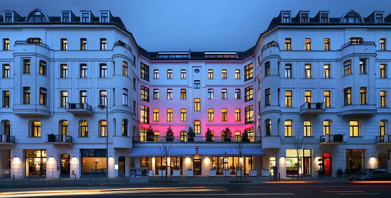 Lux 11, Berlin-Mitte, Rosa-Luxemburg-Str. 9-13, 10178 Berlin ...