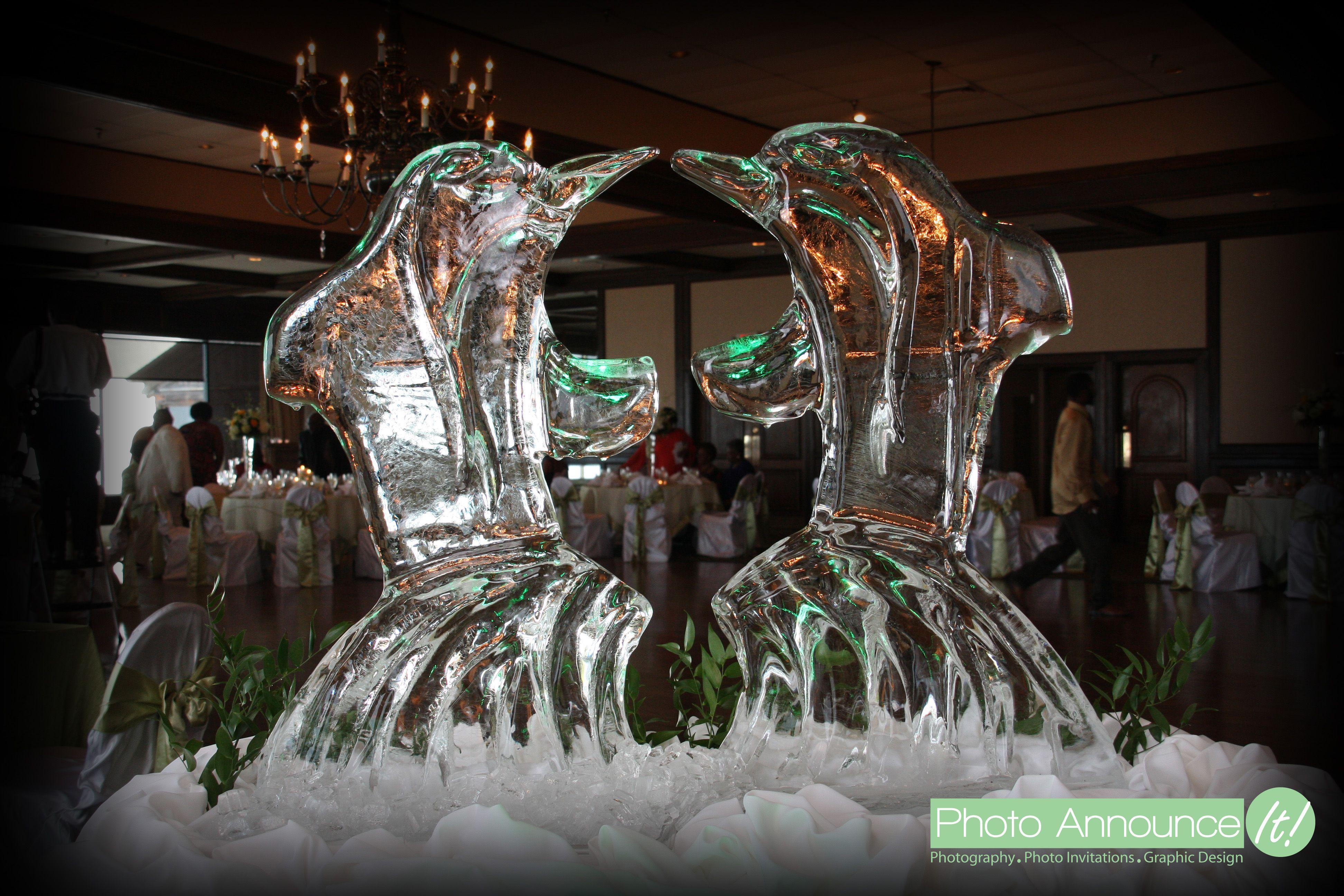Disneyland photos disneyland paris bride groom table grooms table - Ice Sculpture Of Two Dolphins Representing The Bride And Groom