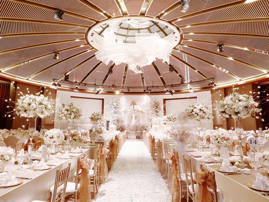Daniel And Celene S Fairytale Wedding At Capella Singapore Wedding Dinner Decor Wedding Stage Decorations Wedding Ideas Singapore