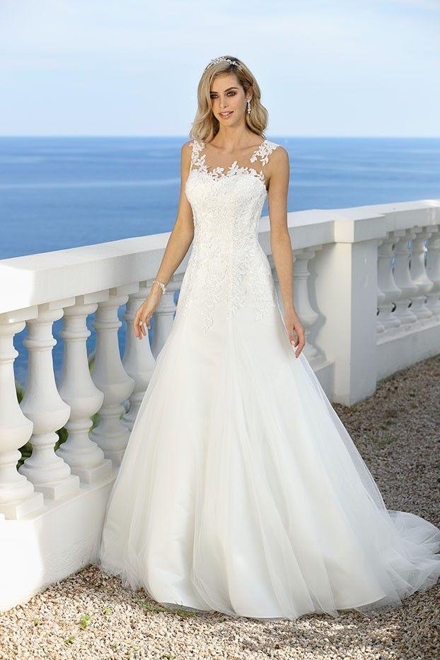 Trouwjurk Ladybird 418017   Jurken   Pinterest   Wedding dress ...