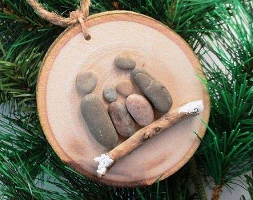 35 Ideen zum Basteln mit Holzscheiben: kreativ und naturnah zu Weihnachten dekorieren #bastelnmitsteinen