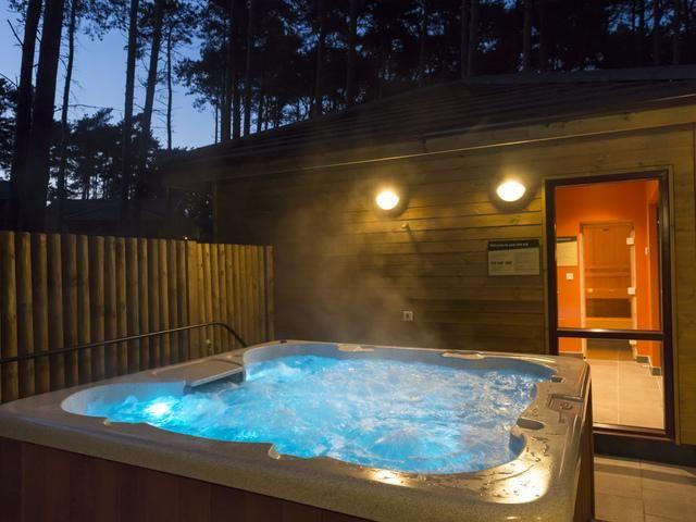 Center Parcs Uk On Lodges With Hot Tubs Luxury Lodge Hot Tub