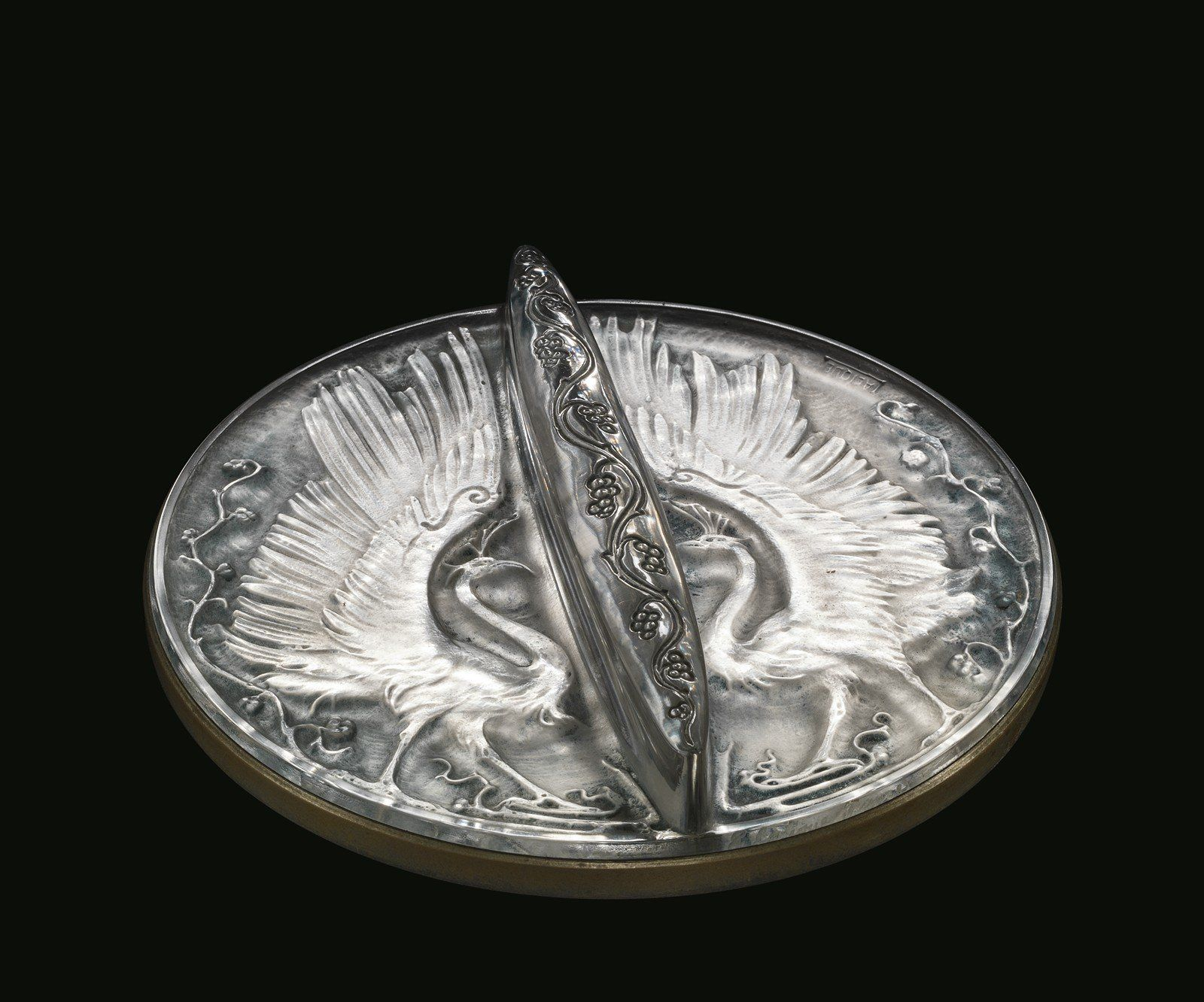 Deux oiseaux (Two birds) by Rene #Lalique,  designed in 1914 | Corning Museum of #Glass