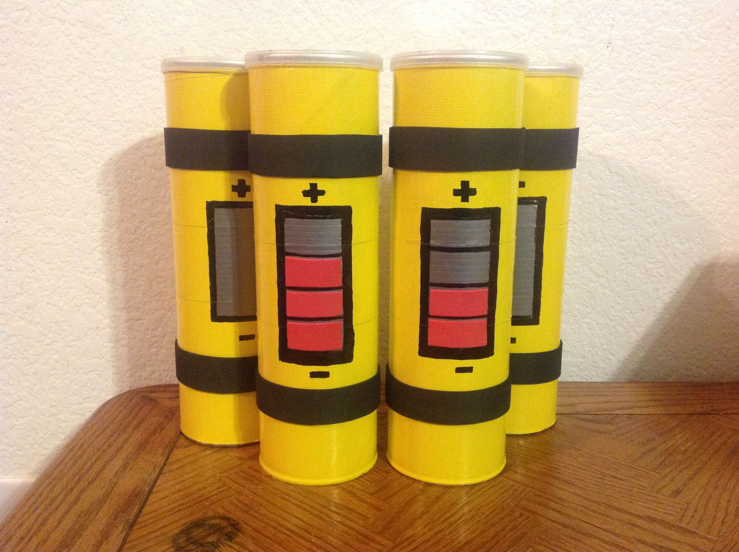 Scream Canisters made from Pringles cans! Supper cute! These were ...