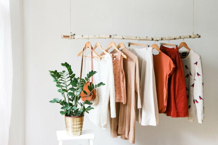 Los percheros y los bastidores para colgar la ropa o los utensilios de trabajo…