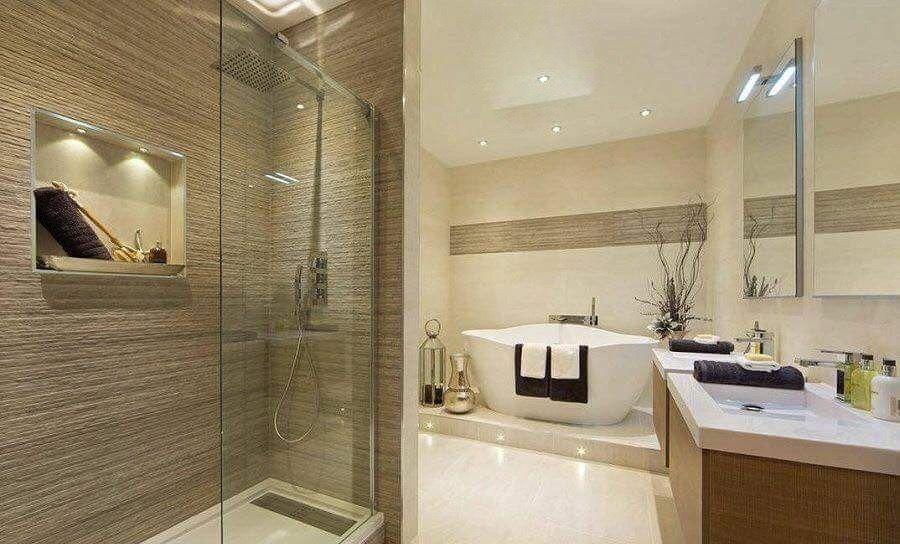 baño con tina, en tonos beige Baños Pinterest