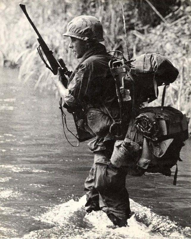 Vietnam War - U.S. Army Photographic Print - Henri Huet