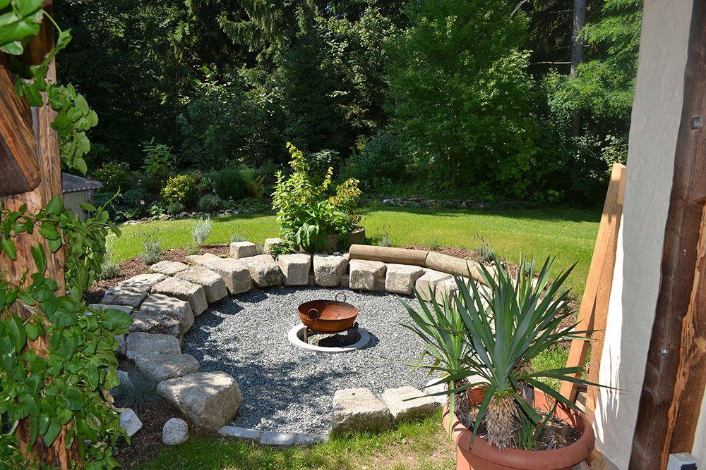 feuerstelle bilder und fotos zahrada. Black Bedroom Furniture Sets. Home Design Ideas