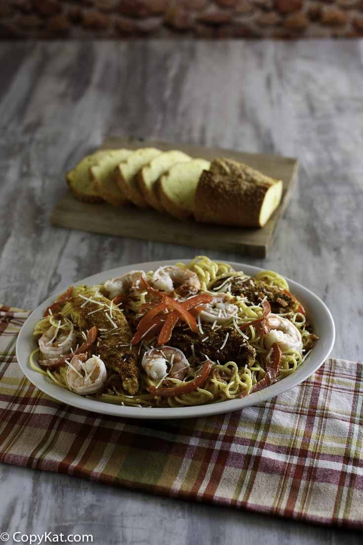 Olive Garden Chicken and Shrimp Carbonara | Recipe | Shrimp ...