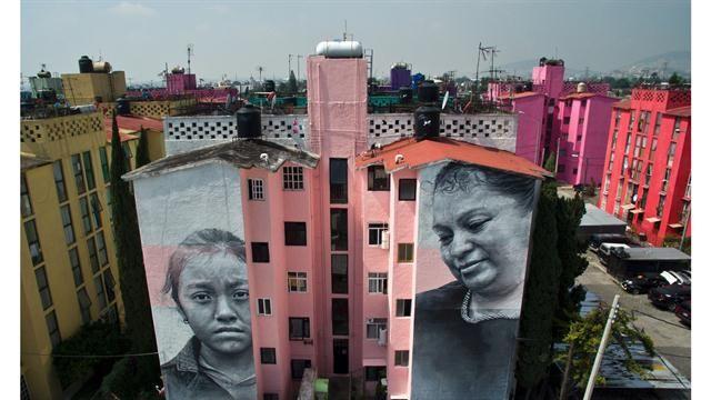Pintadas contra la violencia en México : el desafío del arte urbano ante la criminalidad en Ecatepec  El mural entero del artista islandes Guido Van Helten. Schemidt
