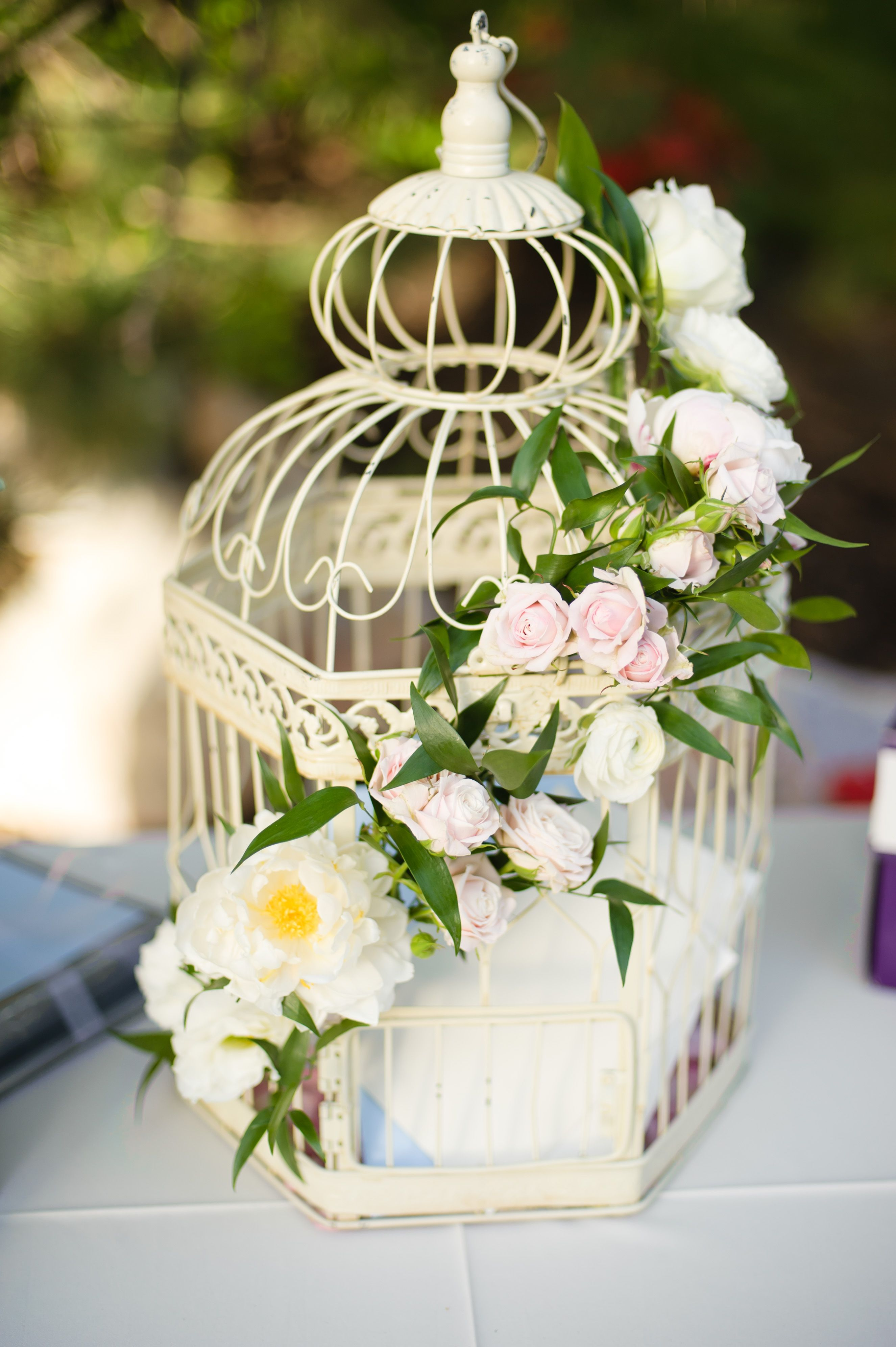 bird cage card holder with fresh flowers wedding diy crafts and decorations pinterest bird. Black Bedroom Furniture Sets. Home Design Ideas