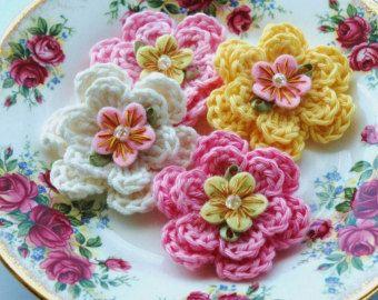 Gehaakte bloemen crème verfraaid gehaakte bloemen door AnnieDesign