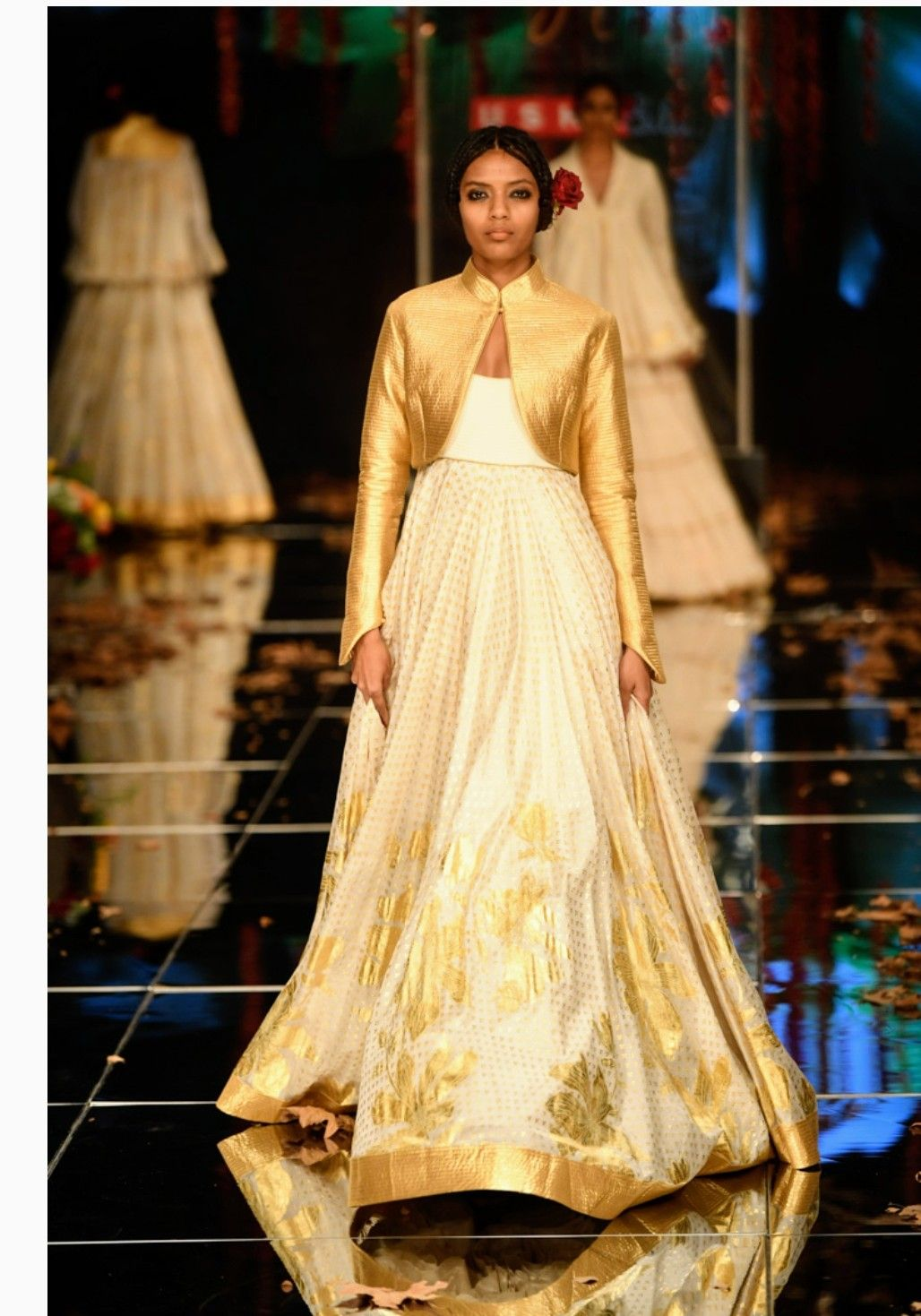 A Model Survival Kit For Fashion Weeks Lakme Fashion Week Fashion Fashion Week