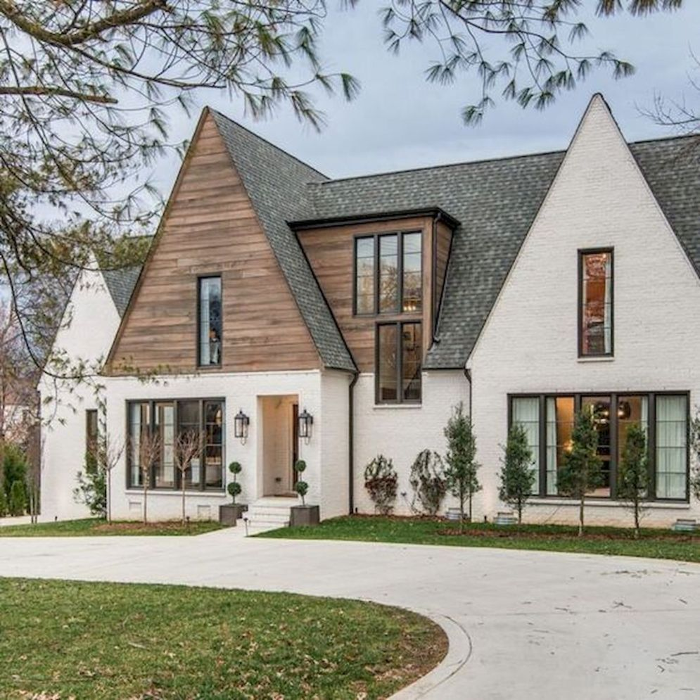 Modern Farmhouse Exterior Designs Displaying Classic Comfort in Today Style | SHAIROOM.COM #exteriorhousecolors