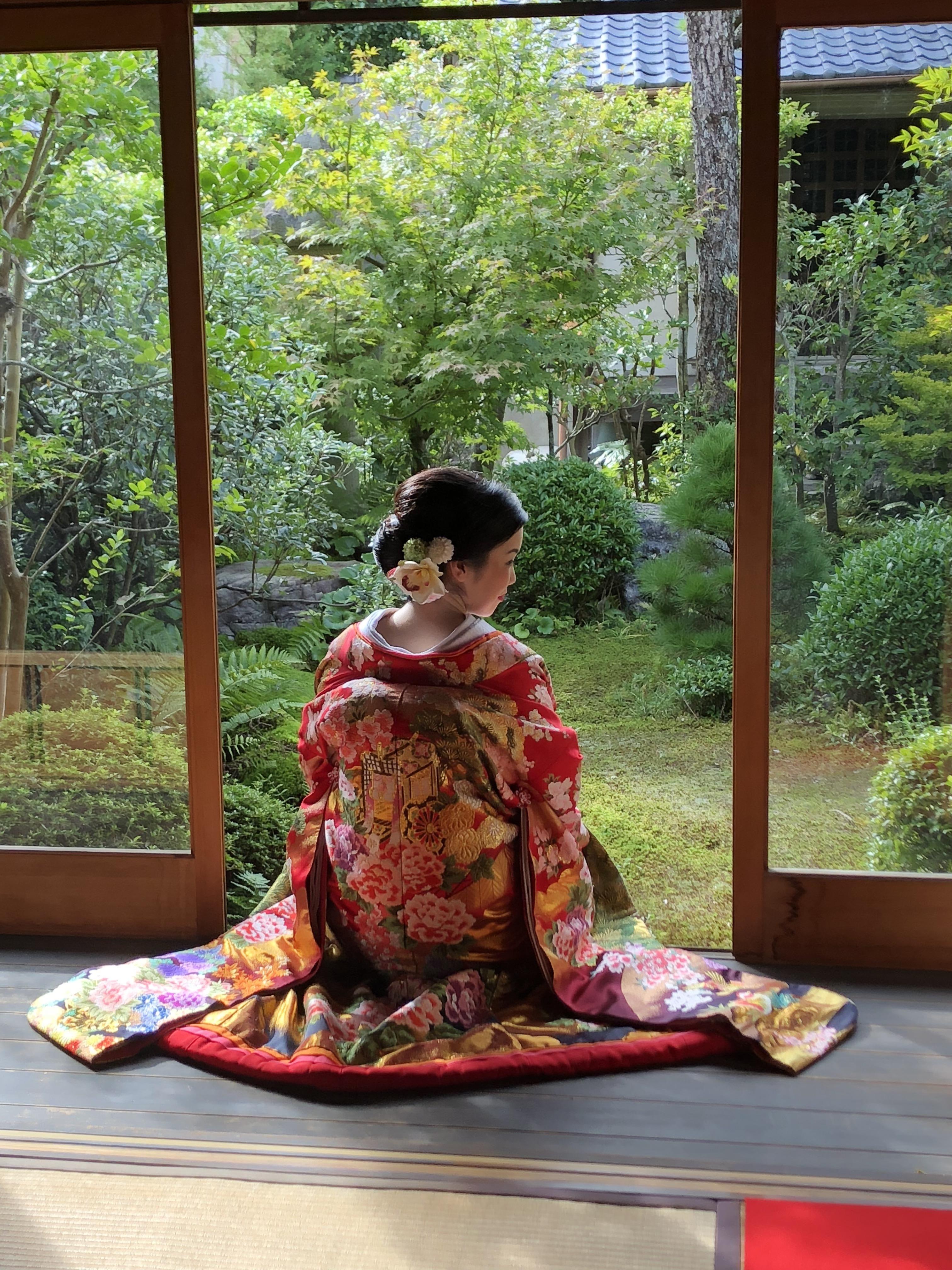 Beautiful Japanese lady in wedding kimono | Wedding kimono ...