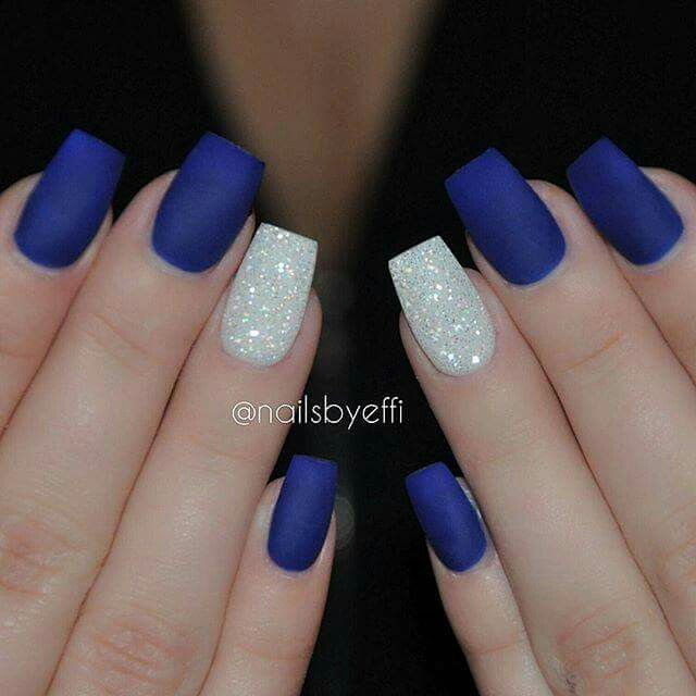Royal Blue Nails With Gorgeous Sparkly Accent Silver Nails Nails Prom Nails