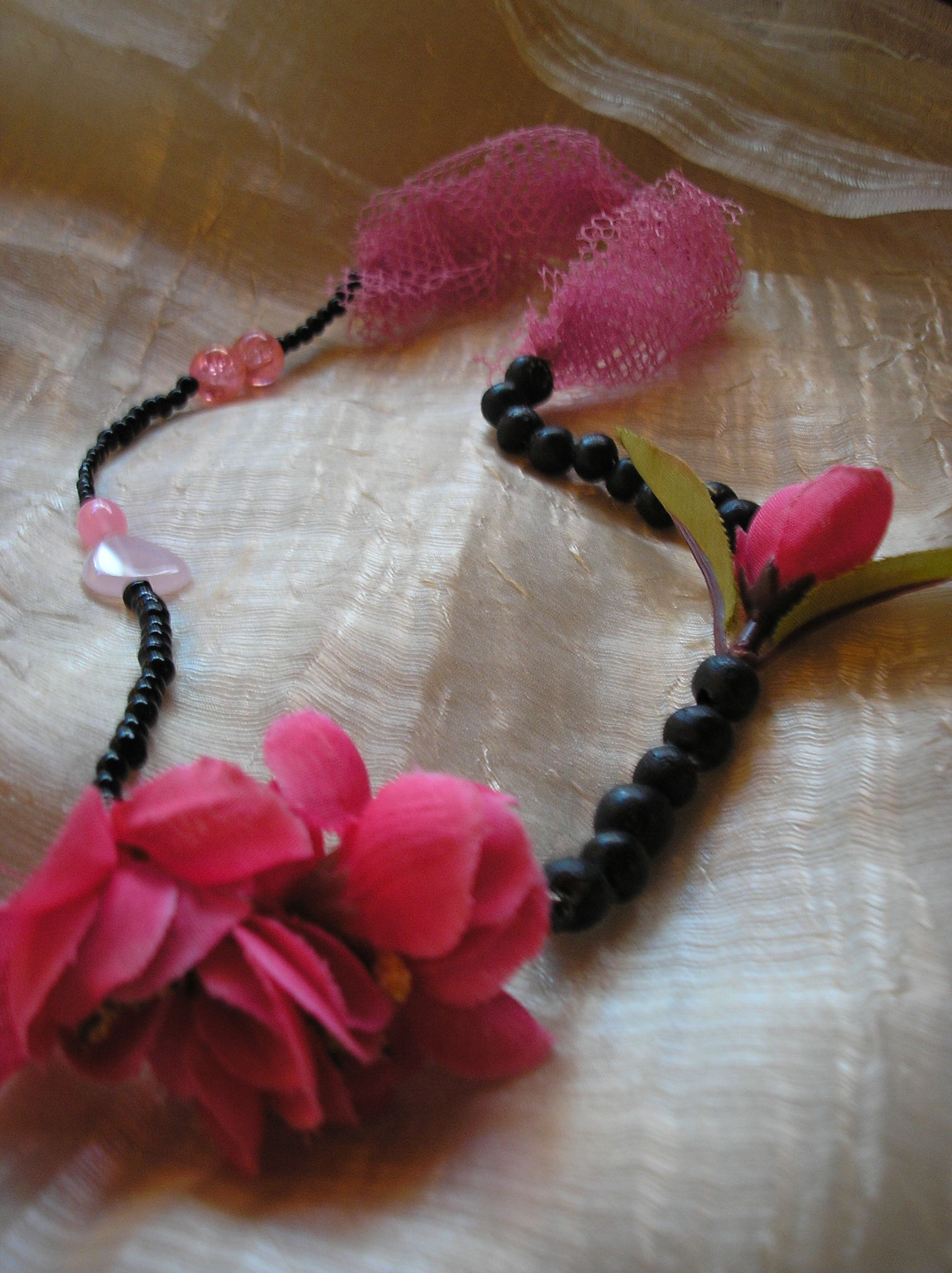 necklace with flowers and beads   made by Olga Nikoli