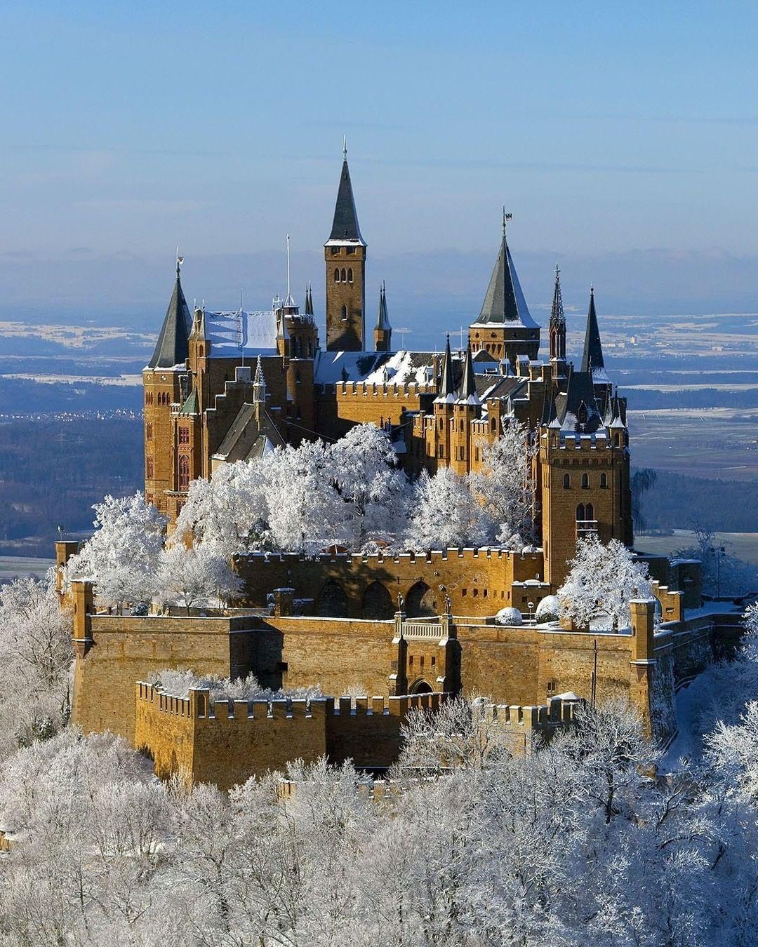 Gefallt 6 293 Mal 50 Kommentare Visitbawu Baden Wuerttemberg Visitbawu Auf Instagram We Also Wish You Ha Hohenzollern Castle Castle Beautiful Castles