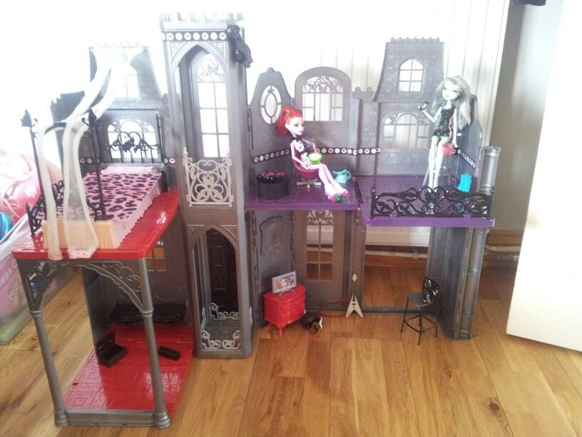monster high house revamped from an old barbie castle! | monster, Hause deko