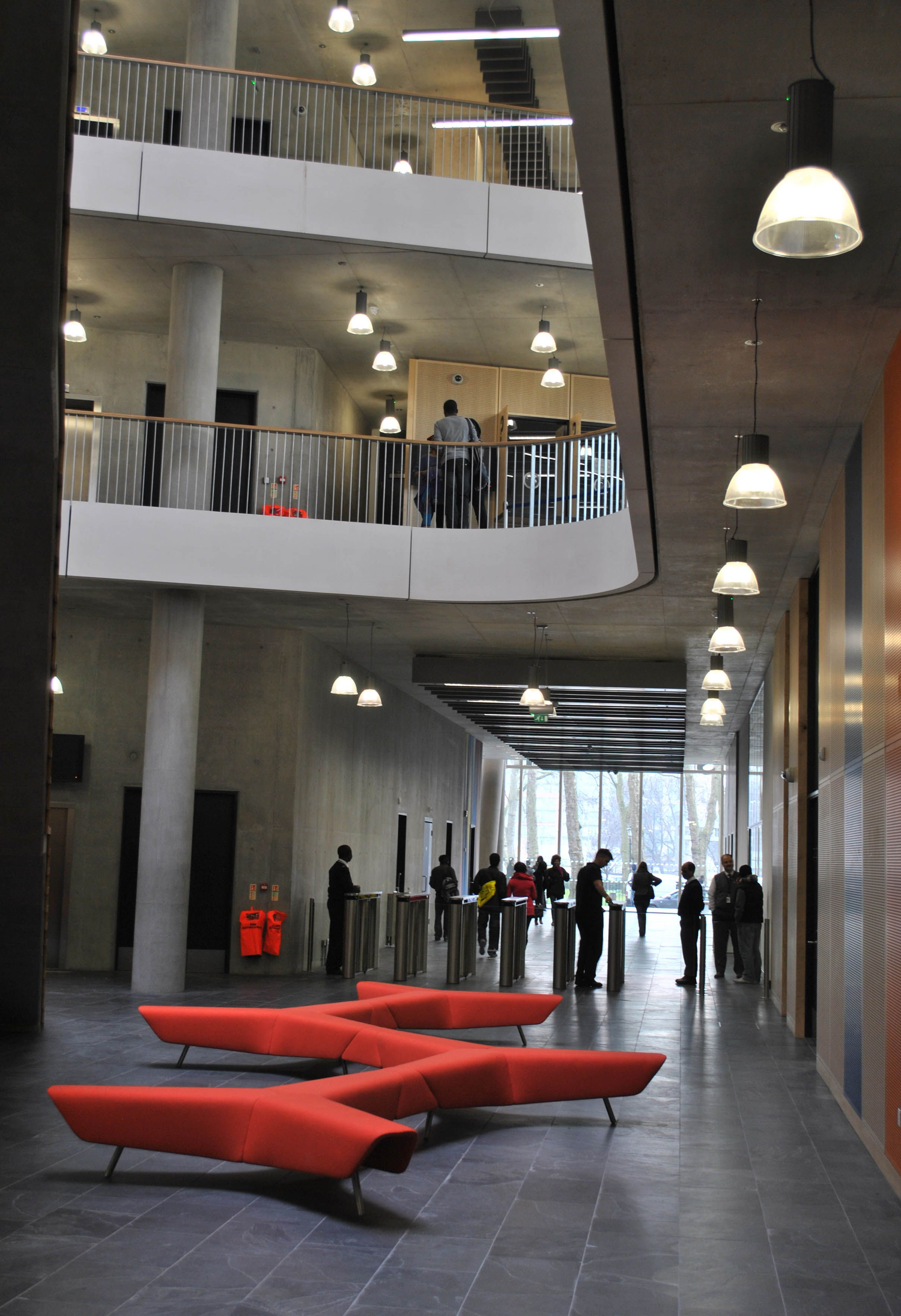 City of Westminster College London featuring hm83 furniture