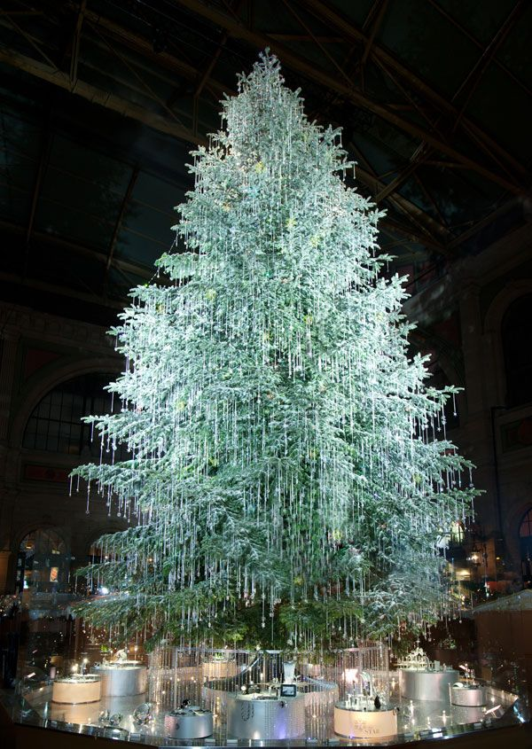 Christmas Spirit In Zurich Beautiful Swarovski Christmas Tree At The Railway Station Navidad