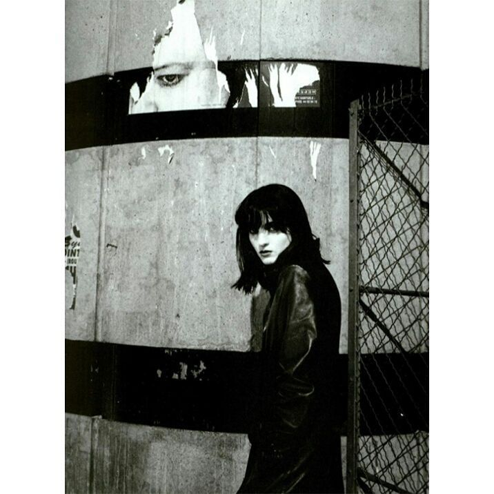 #VOGUEITALIA August 1995 New Look Photographer #MarioSorrenti @Mario_Sorrenti Styling #AliceGentilucci @AliceGentilucci Make Up #KayMontano…